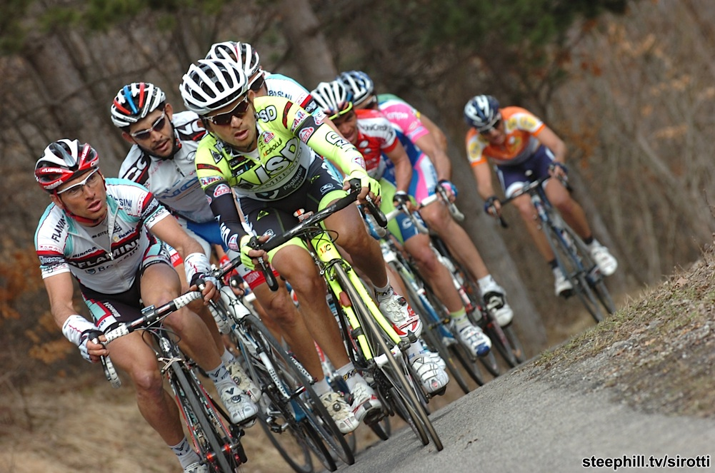 http://www.steephill.tv/2010/coppi-e-bartali/photos/stage-03/220-PIC98253247.jpg