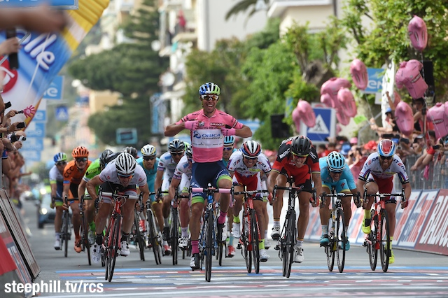 http://www.steephill.tv/2015/giro-d-italia/03-finish-640.jpg