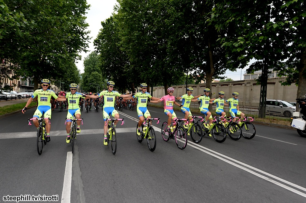 http://www.steephill.tv/2015/giro-d-italia/photos/stage-21/125-PIC541122673.jpg